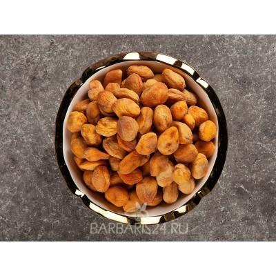 Урюк (абрикос с косточкой)